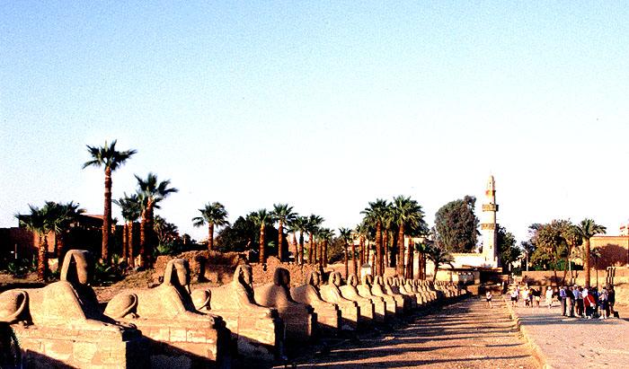 Sphingenallee von Luxor überarbeitet