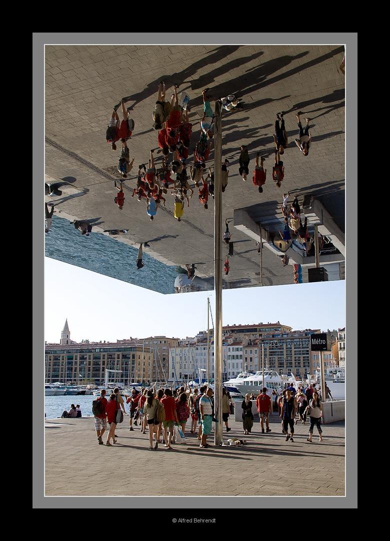 Spiegel in Marseille