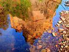 Spiegelbild im Fluss