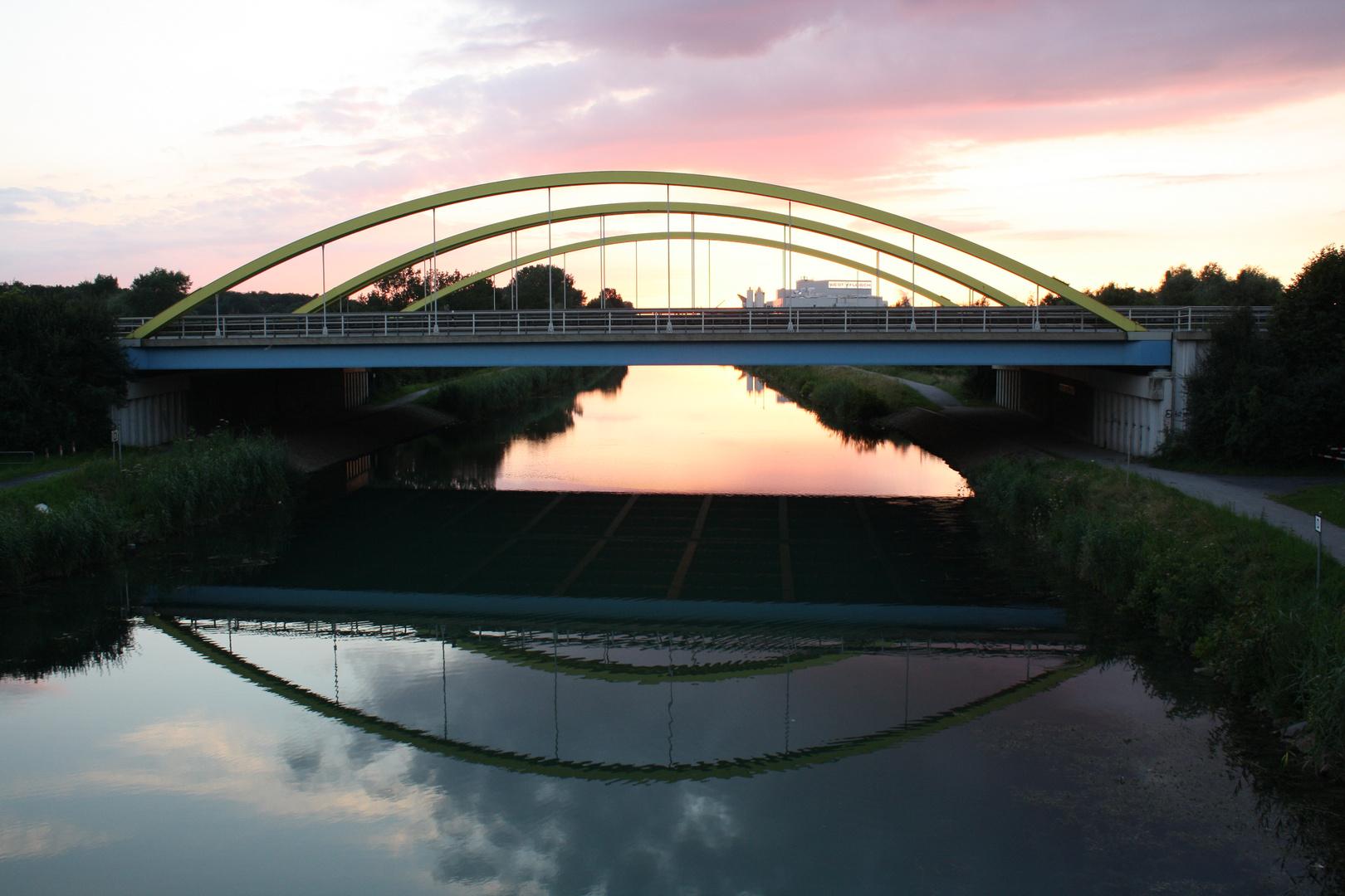 Spiegelbrücke