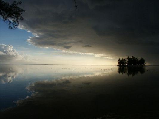 spiegelglatt oder untergangsstimmung im paradies