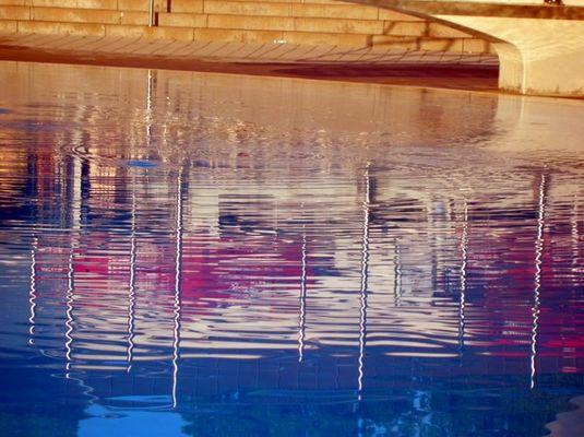 spiegelnde Gewässer