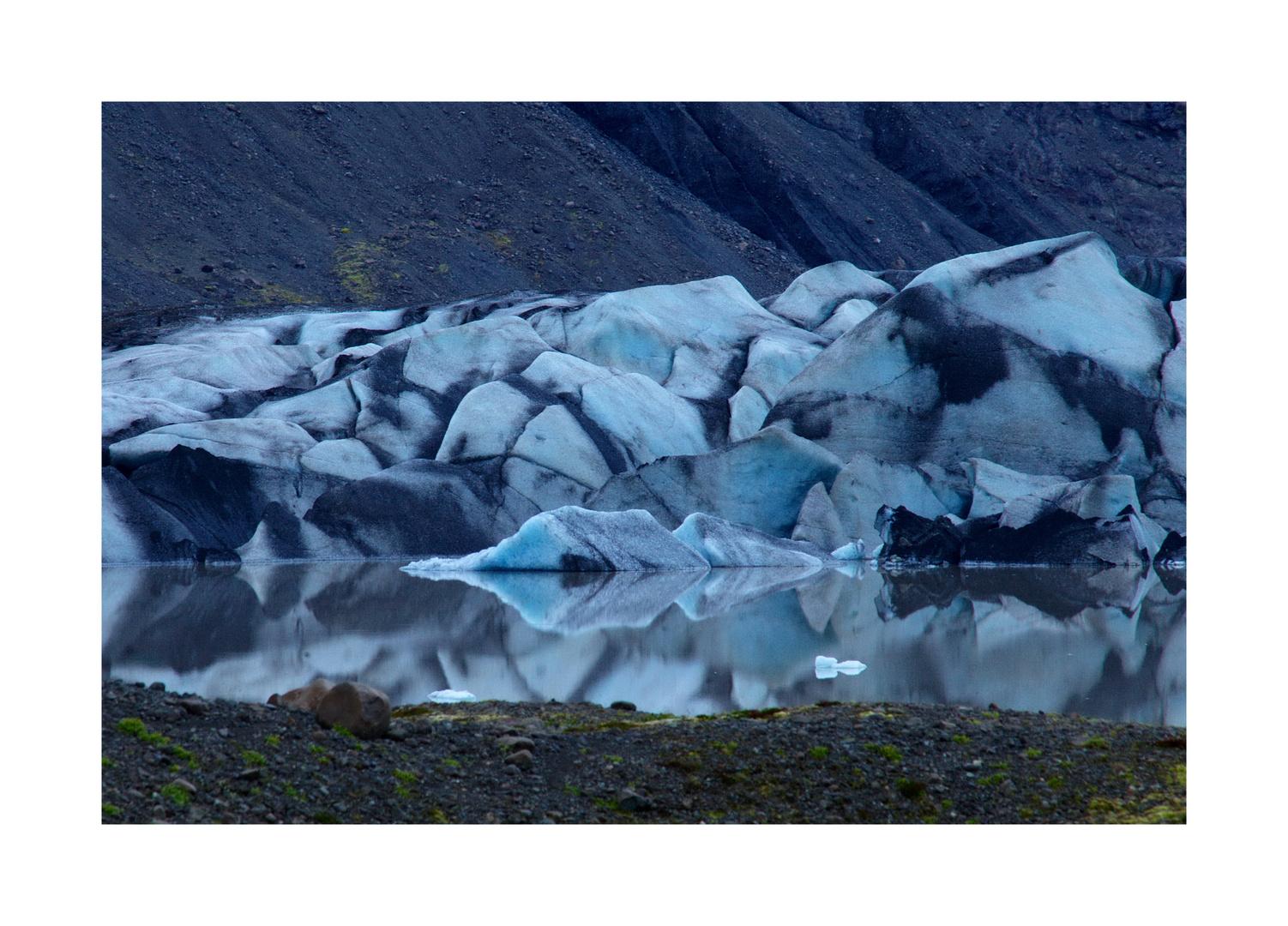 Spiegelndes Eis am Heinabergsjökull
