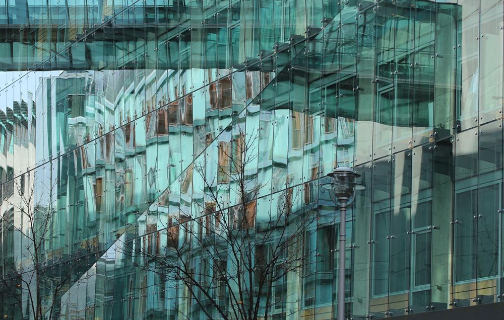 Spiegelung am Potsdamer Platz