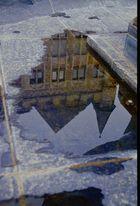 Spiegelung im Brunnen