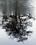 Spiegelung im Dorfteich von Leerort