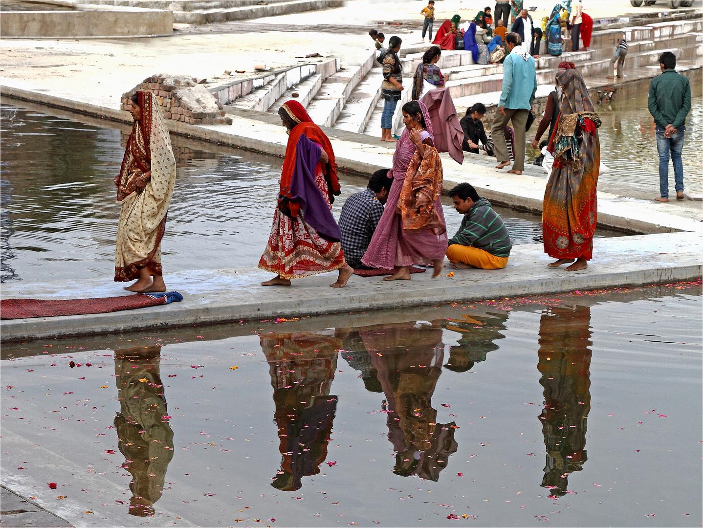 Spiegelung im heiligen See von Pushkar
