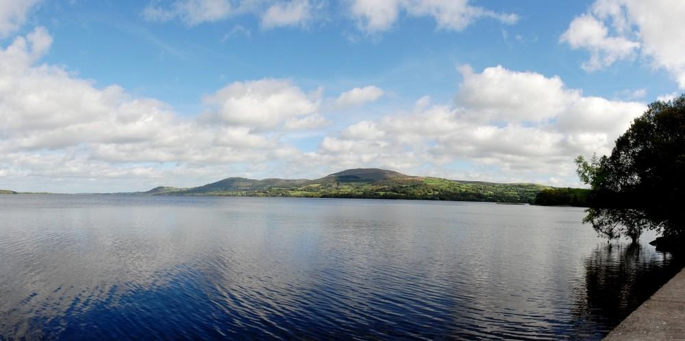 Spiegelung im Lough Derg
