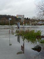 Spiegelung im Ruhrhochwasser
