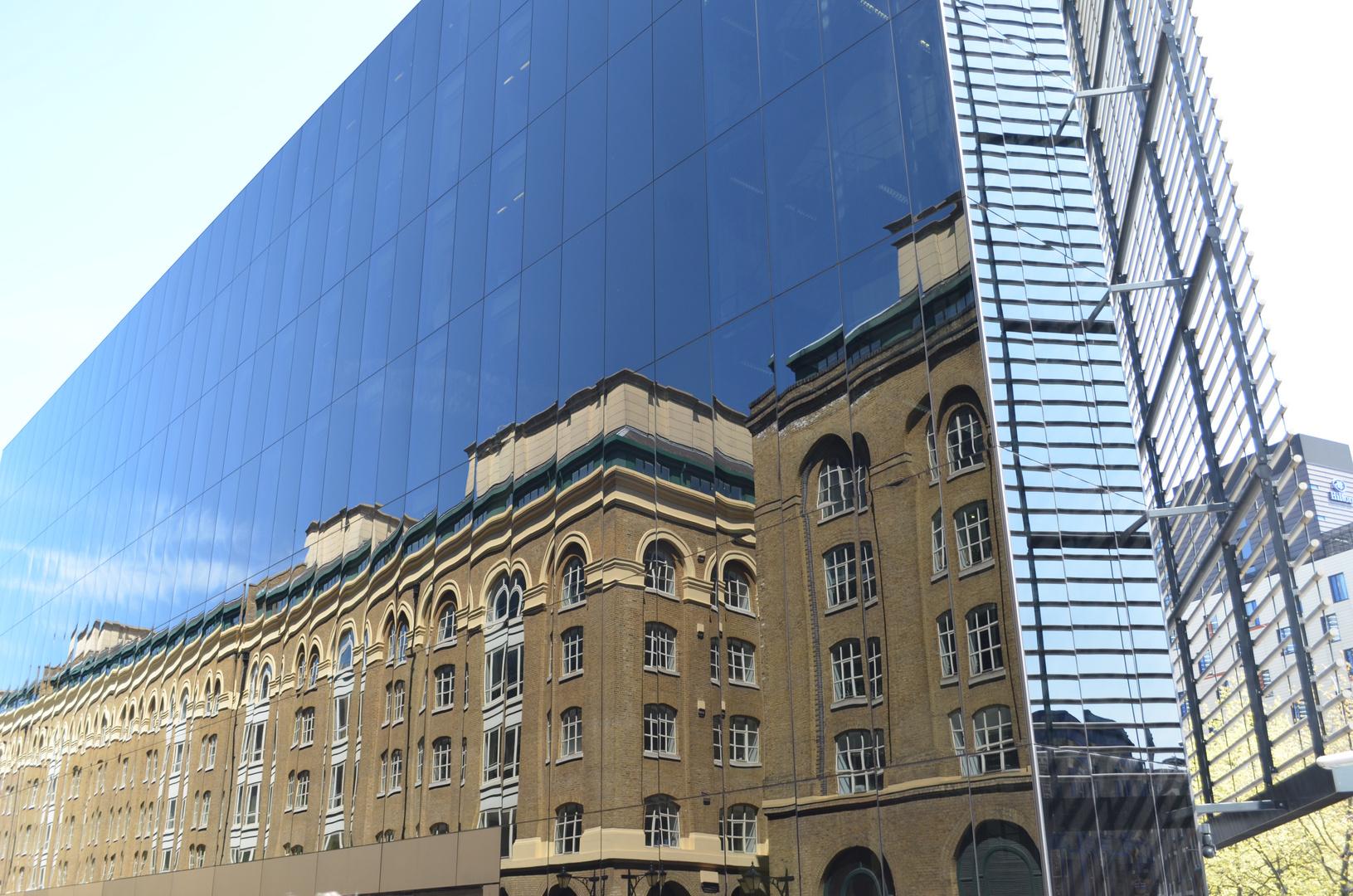 Spiegelung in mitten der City