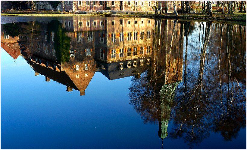 Spiegelung von Schloss Raesfeld/ Kreis Borken