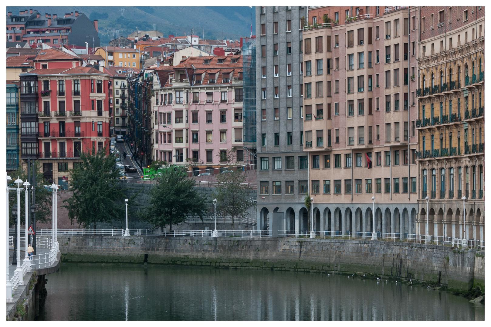 Spiegelungen in Bilbao