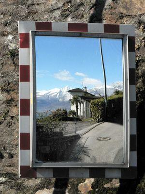 spiegelverkehrt