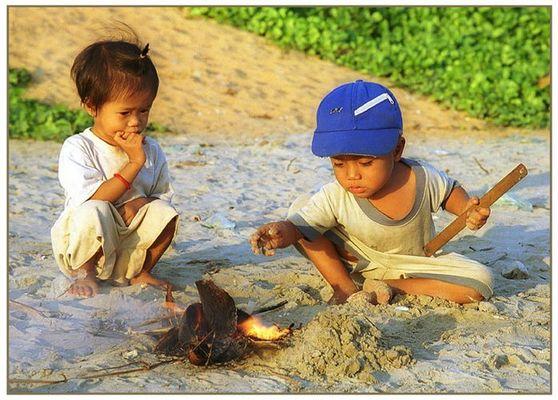 Spiel mit dem Feuer-Mui Ne-Vietnam