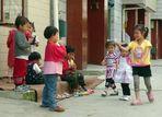 Spielende Kunminger Kinder