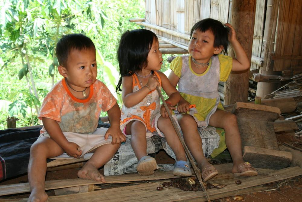 """"""" Spielende Thai Kinder """""""