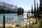 Spirit Island im Maligne Lake / Jasper National Park...