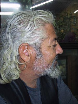 Spiros - der wahrlich älteste Hippie von Matala