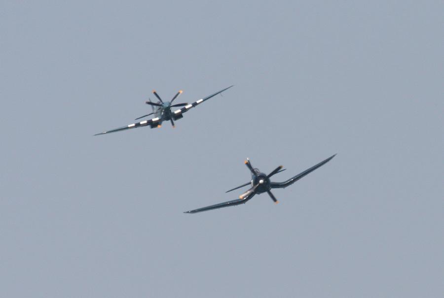 Spitfire und Corsair