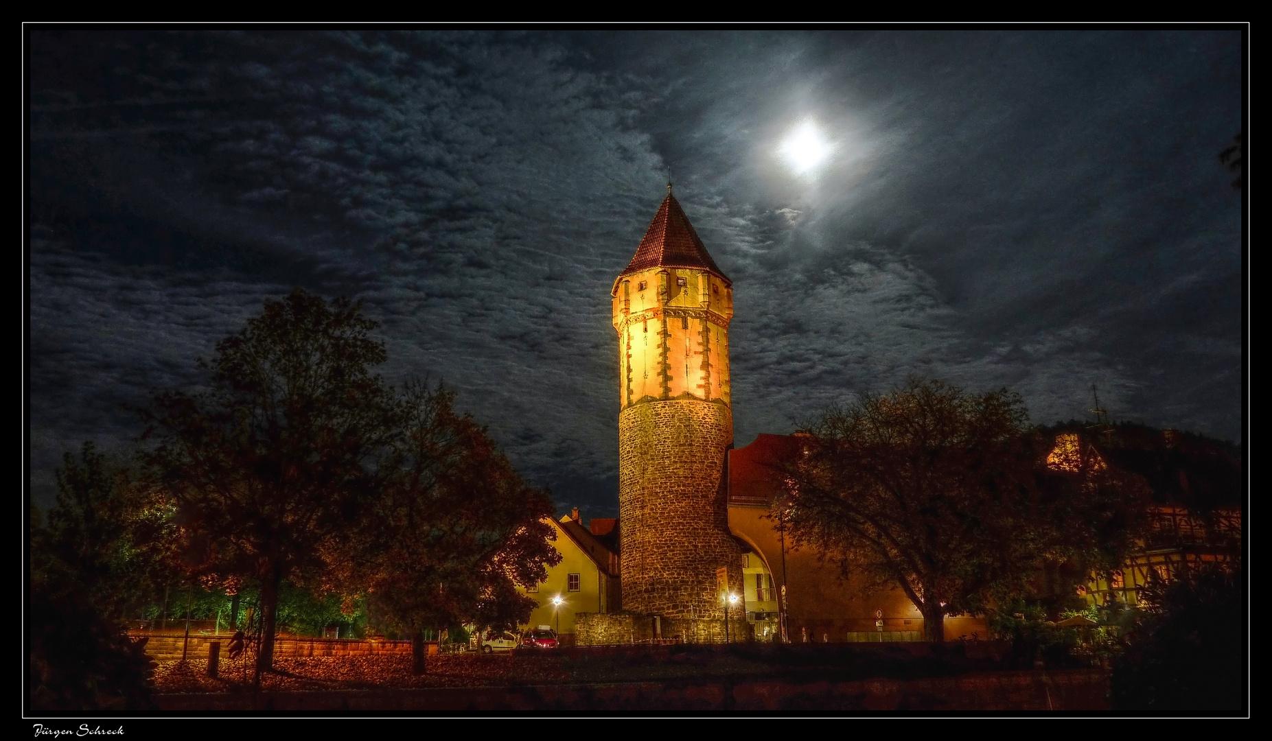 Spitzer Turm in Wertheim bei Vollmond