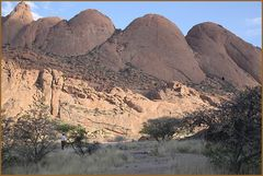Spitzkoppe am Morgen  ... in NAMIBIA