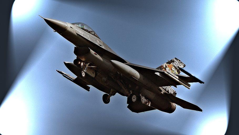 .. spot an - jet im landeanflug ..