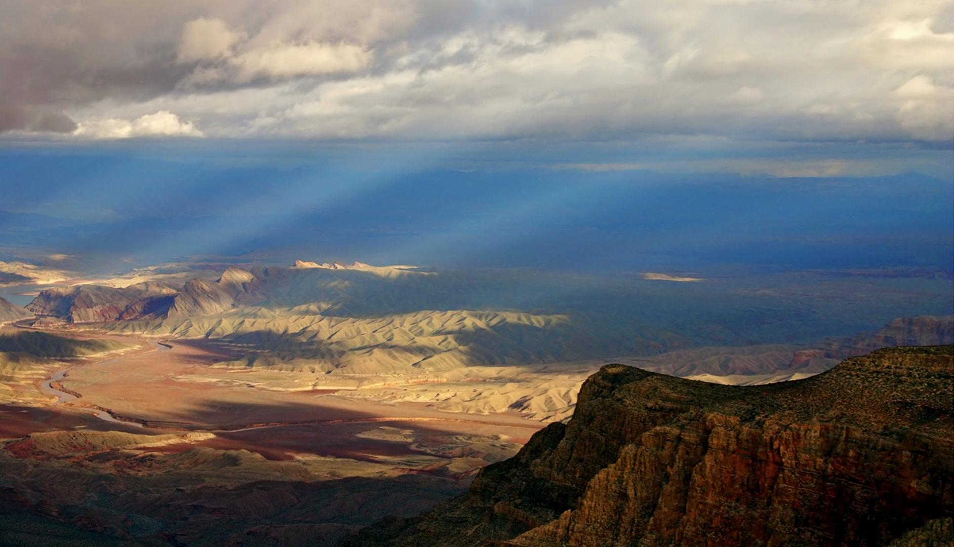 spotlights at Grand Canyon