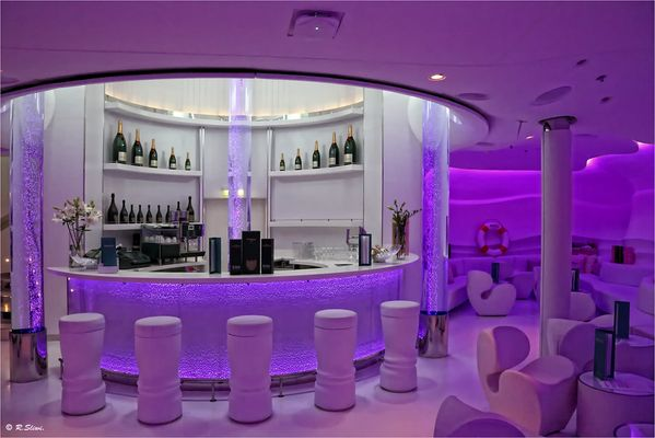 Spray Bar by Möet & Chandon 1