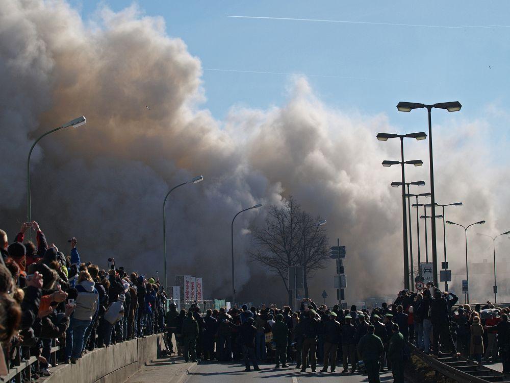 Sprengung Agfa Hochhaus am 17.02.2008 in München
