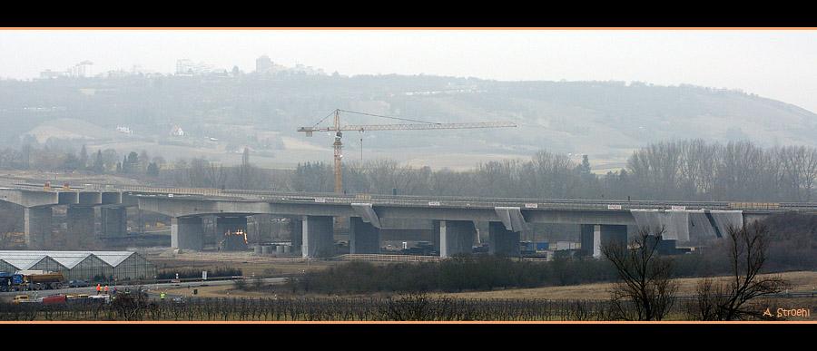 Sprengung der Autobahnbrücke A3 bei Würzburg / Randersacker