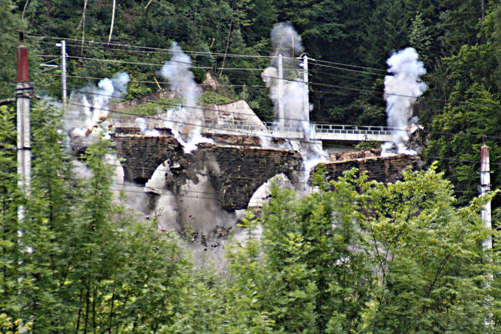 sprengung eines viadukts