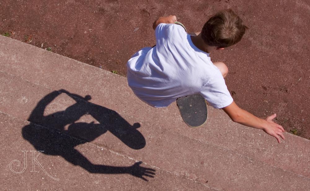 Spring über Deinen Schatten