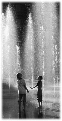 Springbrunnen im Gegenlicht