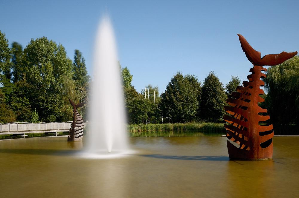 Springbrunnen mit Fisch_01