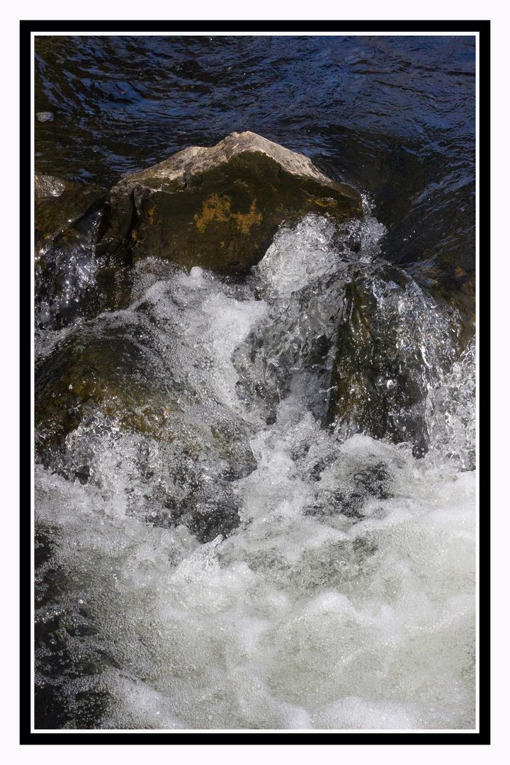 Sprudelnde Wasser
