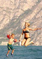 Sprung auf dem Gardasee