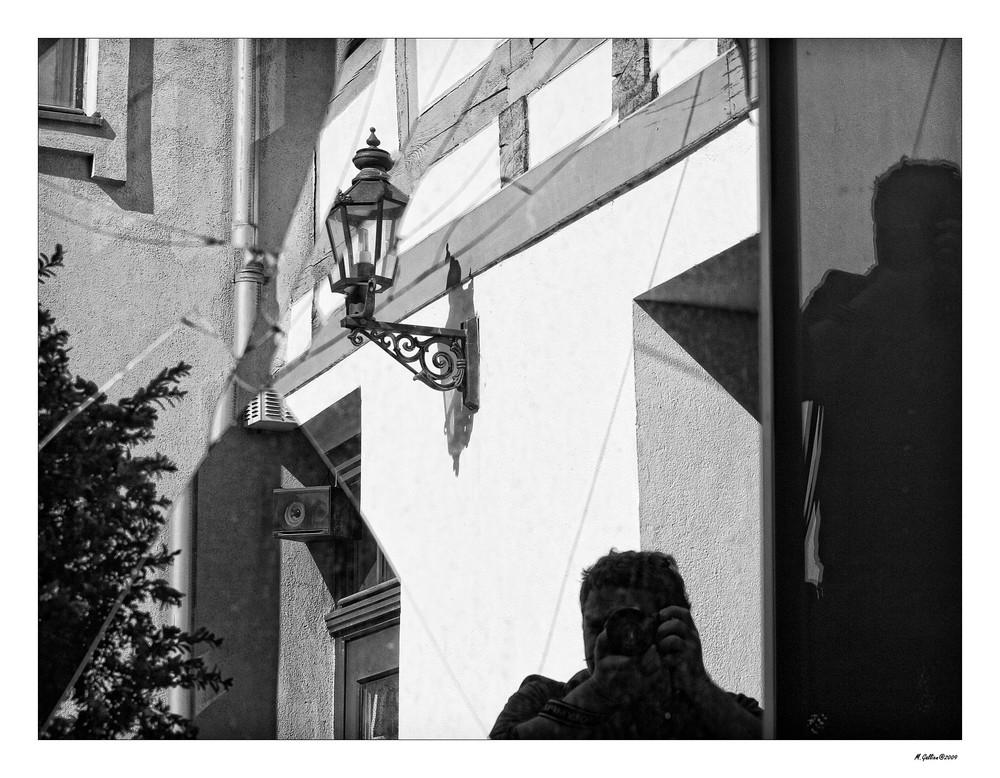 Sprung... Spiegelung... Schatten