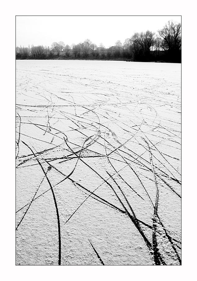 Spuren im Eis - Ab heute taut es wieder :-(