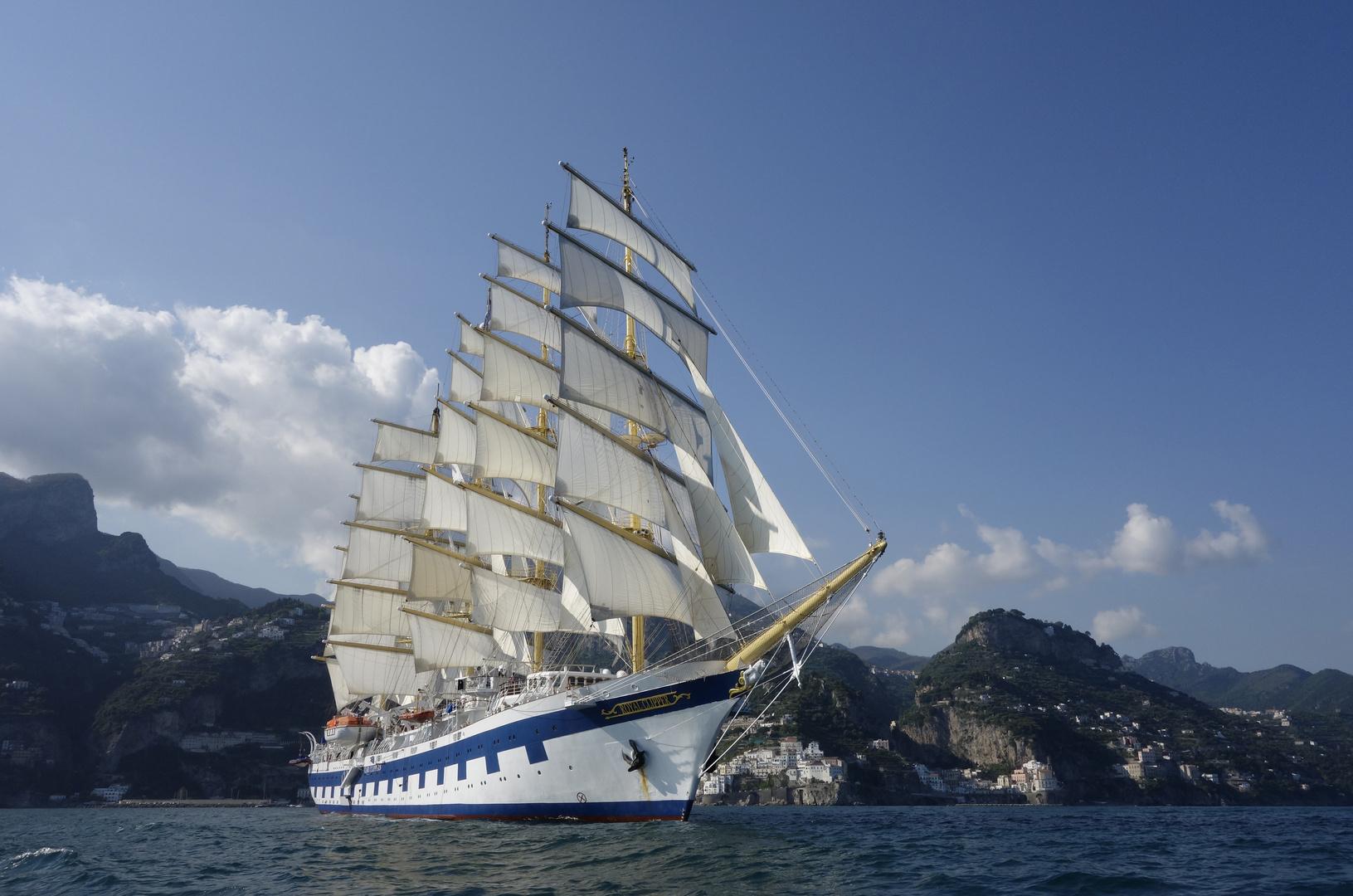 "SPV ""Royal Clipper"" vor Amalfi"