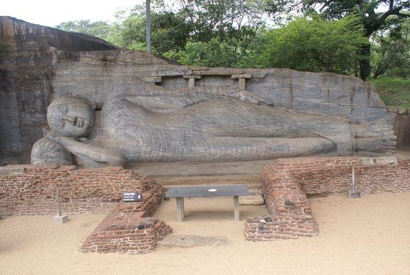 SRI LANKA - Bouddha couché