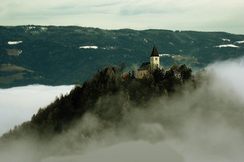 St. Josef im Nebel