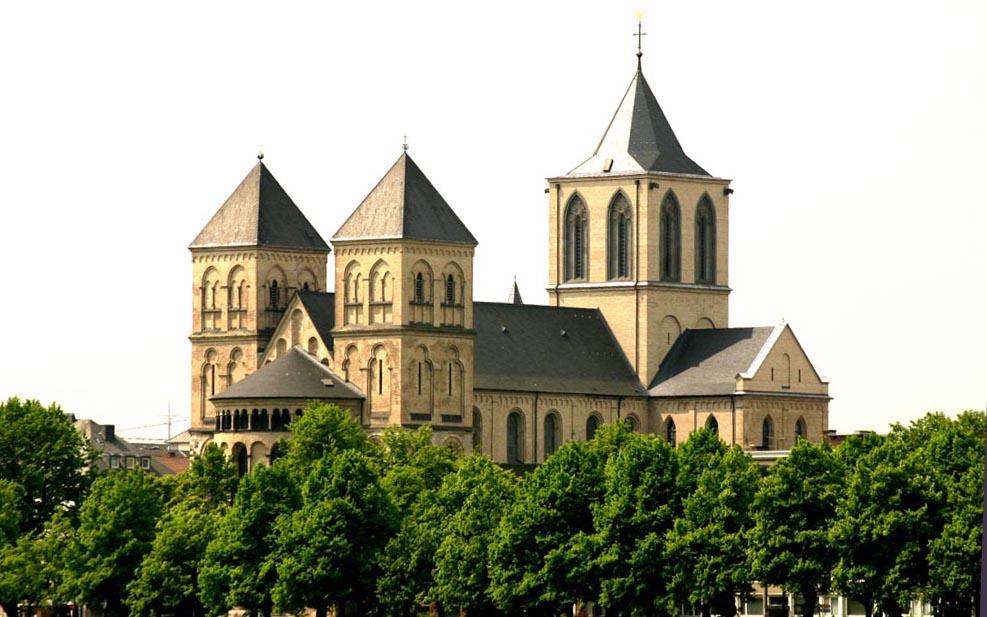 St. Kunibert jetzt hoffentlich im Lot