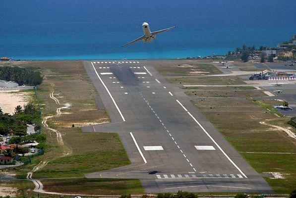St Maarten takeoff