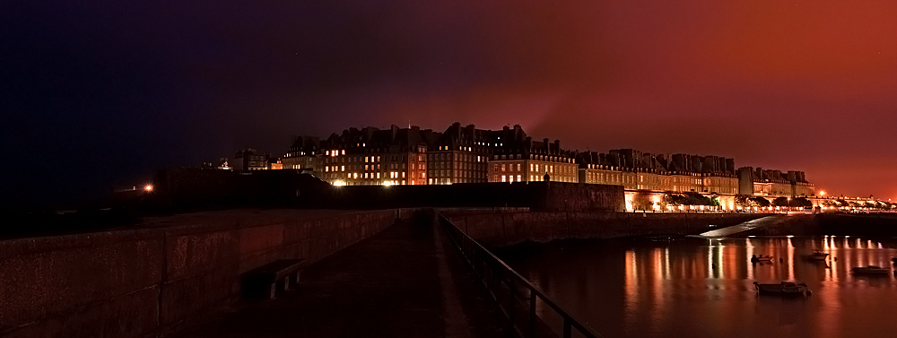 st malo by night