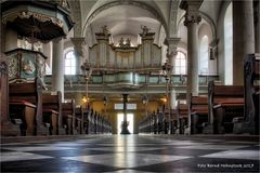 St. Maximilian in der Düsseldorfer Altstadt ......