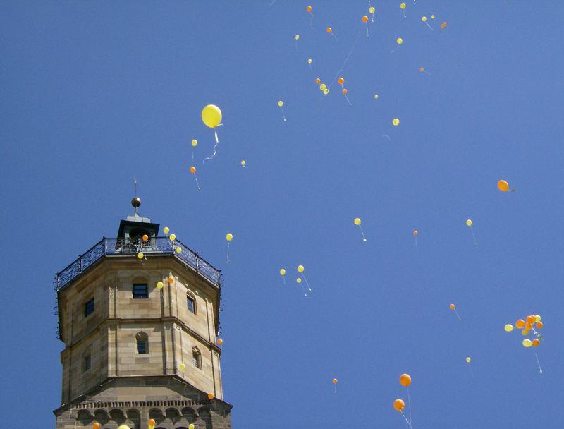 St. Michael mit Luftballons