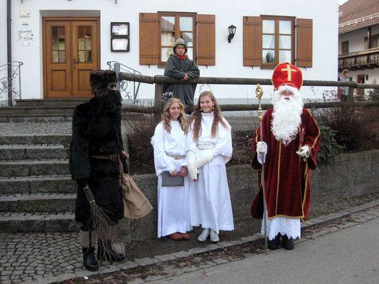 St. Nikolaus mit Knecht Rupprecht und Engel