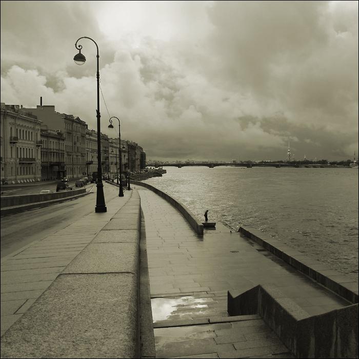 St. Petersburg. Spaziergang mit dem Regen