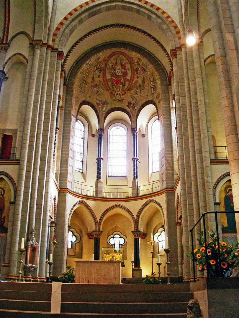 St. Quirinus, Neuss