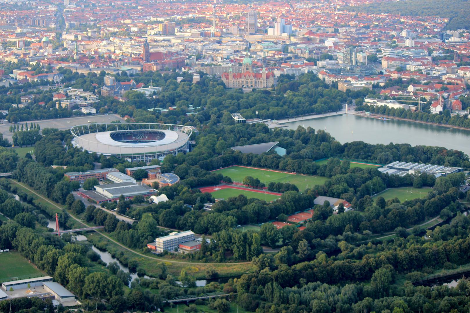 Stadion und Maschsee